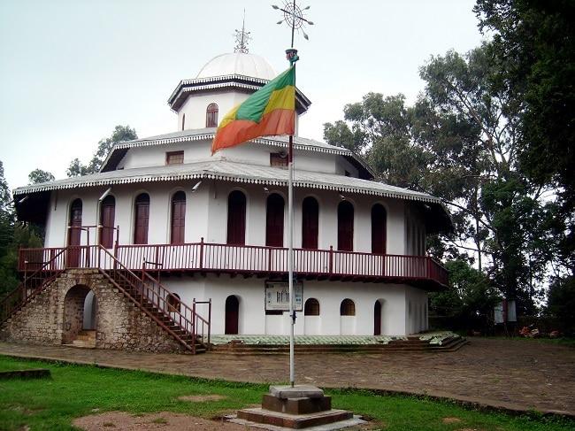כנסיית קידוס רגואל על גבעות אנטוטו