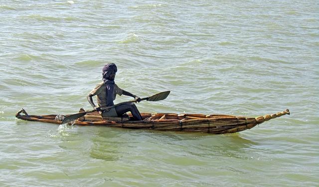 סירה טיפוסית מקנים באגם טאנה אתיופיה