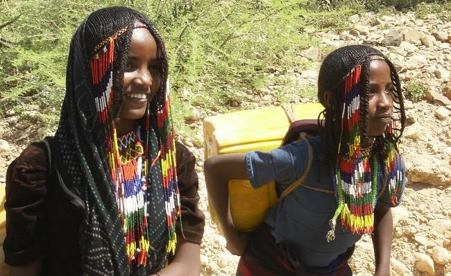 בנות שבט אפאר
