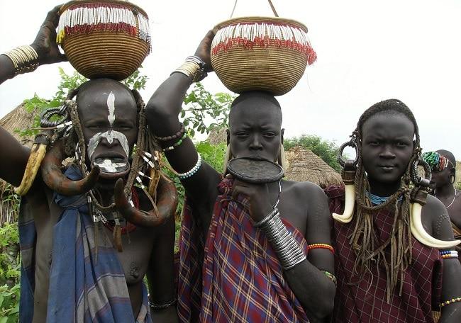 בני שבט המורסי - הפארק הלאומי מאגו