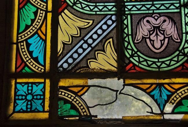 ויטראז' יפהפה בכנסיית סינט ג'ורג' אדיס אבבה