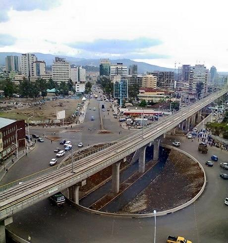 גשר הרכבת הקלה בכיכר מקסיקו, אדיס אבבה