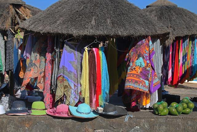סארונגים בצבעים ובסגנונות שונים
