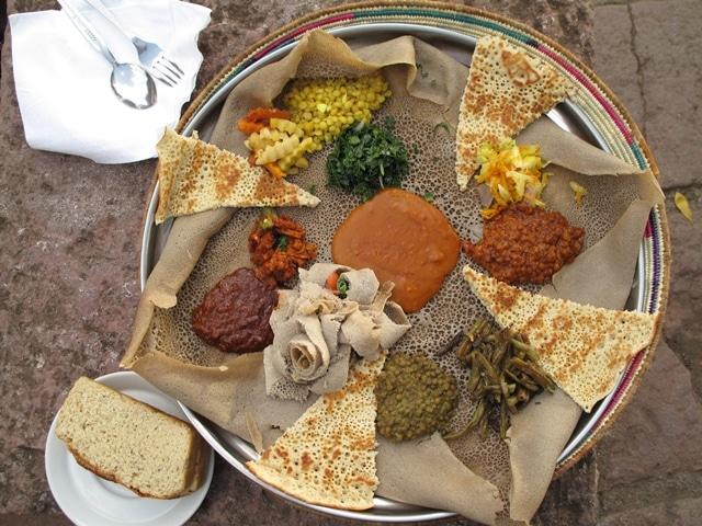 ארוחה אתיופית מסורתית