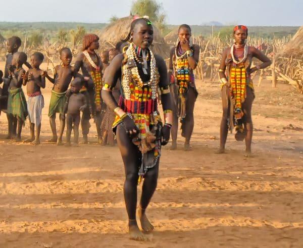 נשות וילדי שבט ההאמר באתיופיה