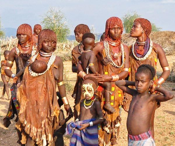 נשות שבט האמר